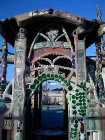 Watts_Towers_Doorway_01