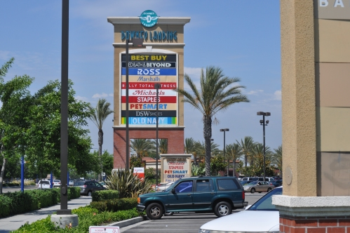 01-Downey_Landings_Space_for_Lease