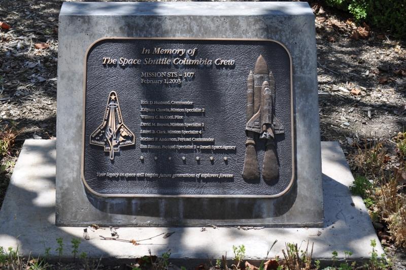 In Memoriam_The Space Shuttle Columbia Crew