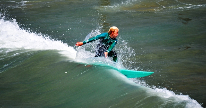 Another perfect surf-twist @ Surf City USA (the colors re fantastic!)