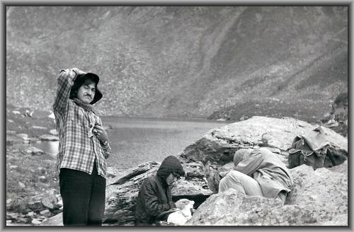 Popas la Lacul Avrig, Muntii Fagaras, 1976