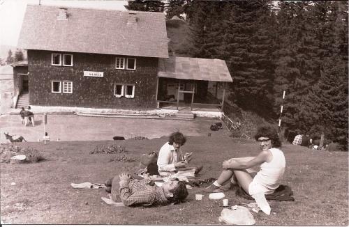 Dupa amiaza la Cabana SURU, Muntii Fagaras, de la Turnuri, 1977