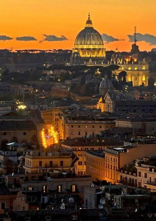 A beautiful sunset in Rome !