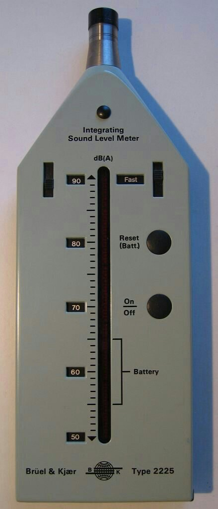 Integrating Sound Level Meter, in dB(A), from Brüel & Kjær, model 2225.