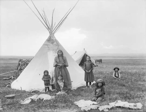 Blackfoot family. 1909.