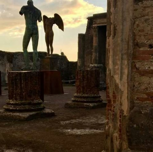 Pompei, Basilica con Mitoraj. Photo Massimo Osanna