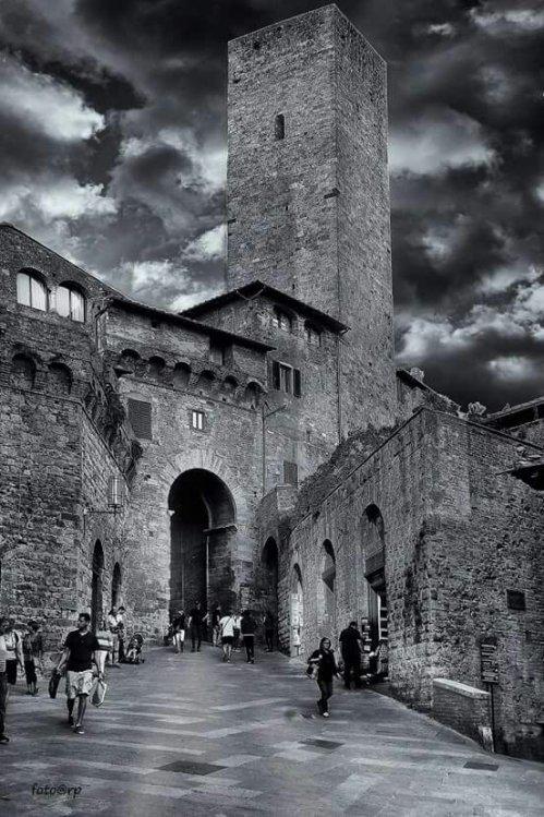 San GimignanoPhoto credits: Renzo Puliti