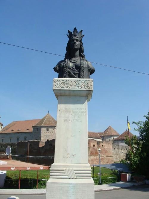 Statuia Doamnei Stanca, Cetatea Făgăraș