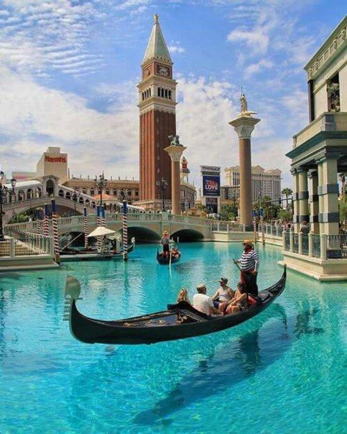 Venice or Las Vegas ?