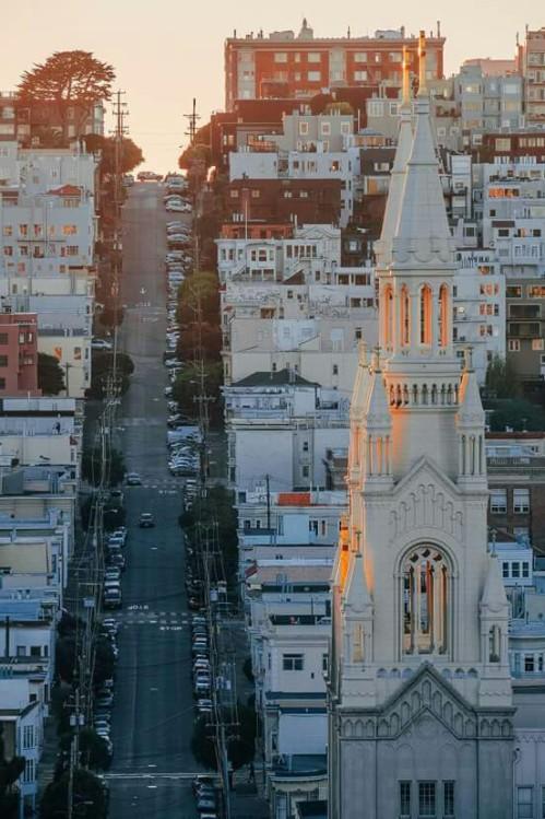 Telegraph Hill, San Francisco, Californiavia: http://bit.ly/2mRg8p2