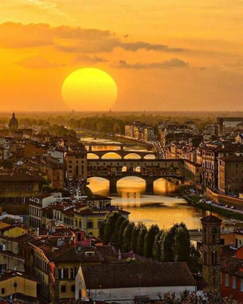 Golden hour in Florence - Italy !