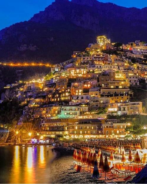 The wonderful Positano at night !