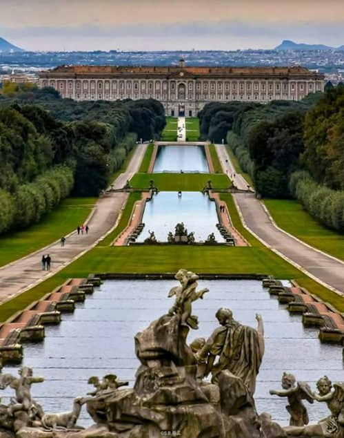 The Royal Palace of Caserta in Campania, Italy !