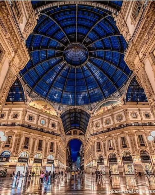 Galeria Vittorio Emanuele, Milan.Photo by @matteo_curti