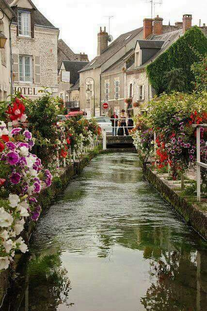 Beaugency Loire Valley ,  France  @alexisfransisco