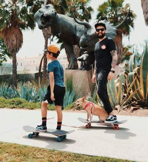 Dads, doggos, and dinos.. sounds like a perfect day to us! Celebrate Father's Day at NHMLA this weekend! Dads get half off admission when they mention 'Fathers Day' at the door. 📷: @giulio_meliani #HowDoYouMuseum