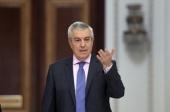 Presedintele Senatului, Calin Popescu Tariceanu, soseste la Biroul Permanent, in Palatul Parlamentului din Bucuresti, luni, 19 iunie 2017. ALEXANDRU DOBRE/ MEDIAFAX FOTO.