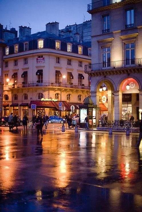 Rue de Rivoli, Paris.